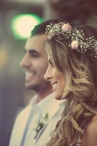 bacfd8a42e Aký si zvolíte svoj svadobný účes  Hravý a romantický alebo radšej  elegantný